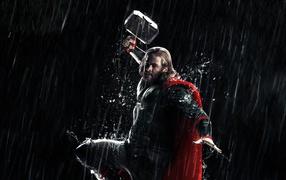 Thor the dark world: hero is attacking