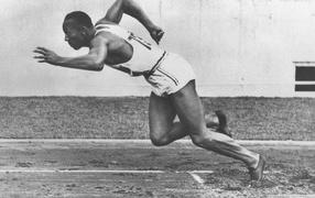 Jesse Owens, american athlete, running, long jump