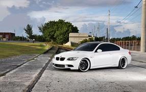 Белый BMW M3