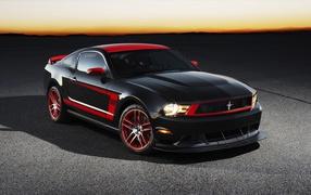 Автомобиль Ford Mustang Boss