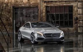 Роскошный Mercedes Benz S Class купе