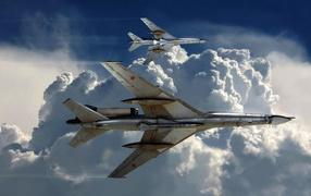Военный самолет ТУ-22