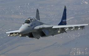 Самолет Миг-35 с ракетами
