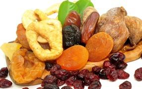 Многообразие сушеных фруктов
