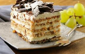 Аппетитный кусок торта