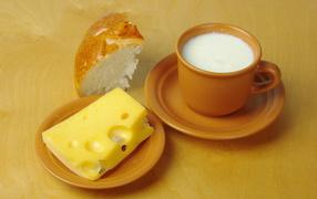 Чашка с молоком