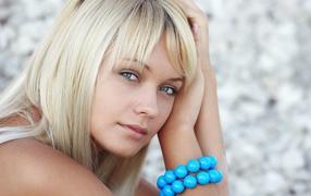 Blue bracelet the girl