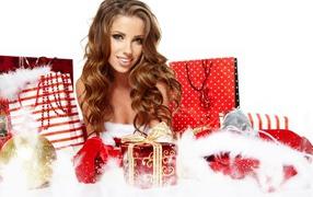 Девушка  со подарками