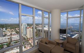 Балкон в городской квартире
