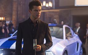 Need for Speed: Жажда скорости герой с бокалом вина