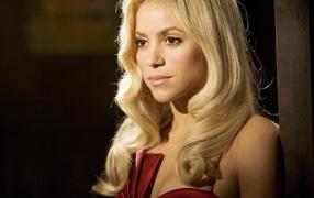 Блондинка певица Шакира