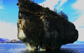Остров в виде гриба в Чили