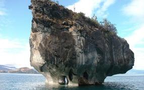 Подмытый остров в Чили