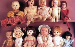 Ребенок и куклы