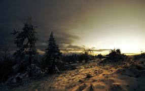 Черные тучи на закате