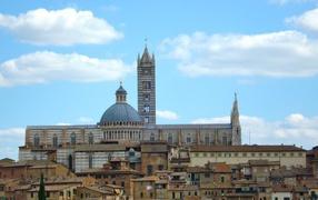 Вид на собор в Сиене, Италия