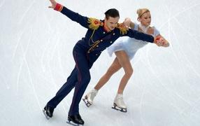 Обладатели золотых медалей  в фигурном катании Татьяна Волосожар и Максим Траньков в Сочи