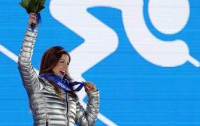 Обладательница бронзовой медали в дисциплине горные лыжи Джулия Манкусо на олимпиаде в Сочи
