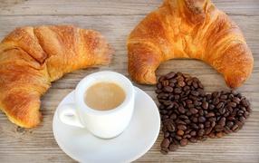 Кофе и свежая выпечка