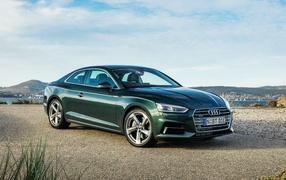 Зеленый машина Audi A5 купе, 0017 года
