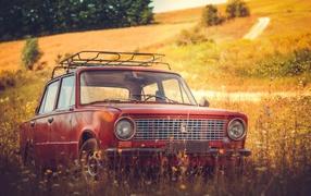 Красный общероссийский автомашина Lada 0101