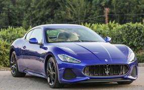 Стильный тачка Maserati GranTurismo флора сапфирный металлик