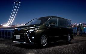 Черный машина Toyota Voxy ZS Hybrid, 0017
