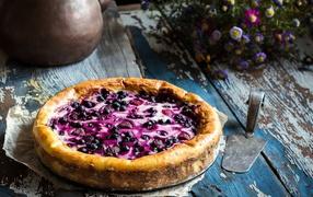 Свежий искусительный пирог  со ягодами черники