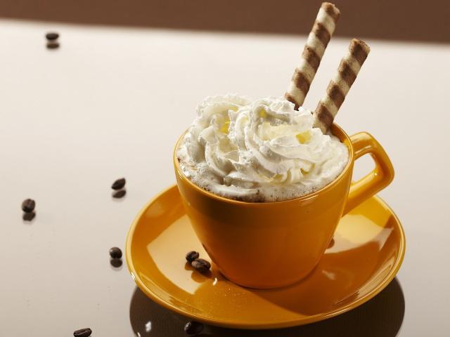 http://www.zastavki.com/pictures/640x480/2012/Food_Drinks_Coffee_with_cream_031398_29.jpg