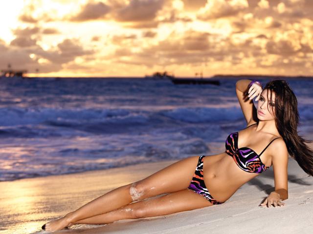 красивые фотообои девушек на пляже