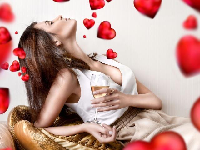 http://www.zastavki.com/pictures/640x480/2012/Holidays_Saint_Valentines_Day_Love_girl_033198_29.jpg