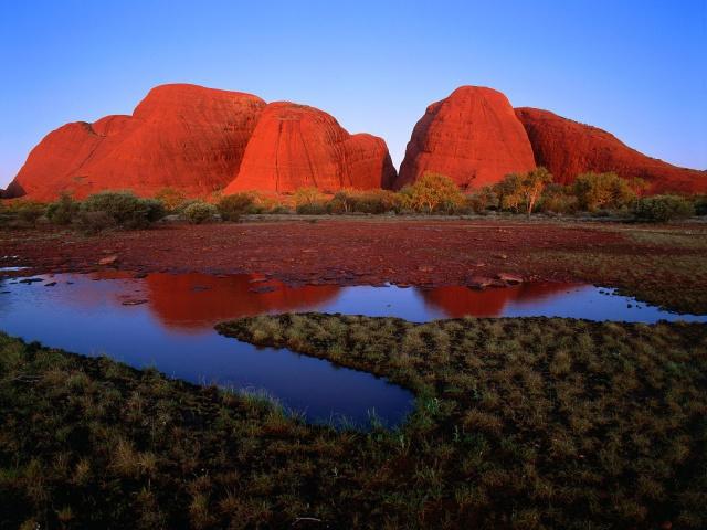 World_Australia_Kata_Tjuta_at_sunset___U