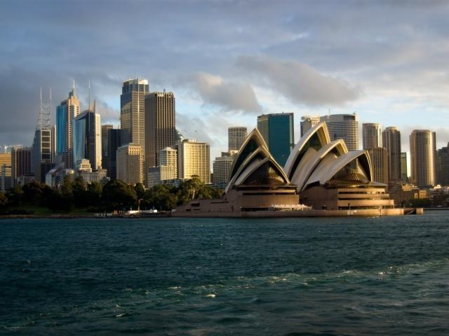 http://www.zastavki.com/pictures/640x480/2013/Cities_Sydney_Opera_House_043897_29.jpg