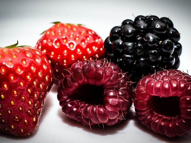 малина, макро, ягоды, Клубника