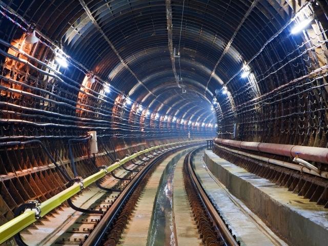 Обои внутри московского метро