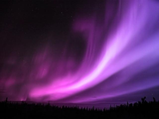 Фиолетовое северное сияние