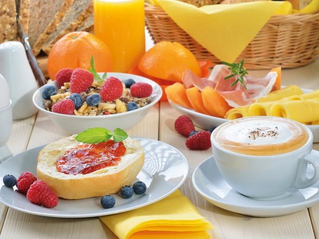 https://www.zastavki.com/pictures/640x480/2014Food_Summer_breakfast_082375_29.jpg