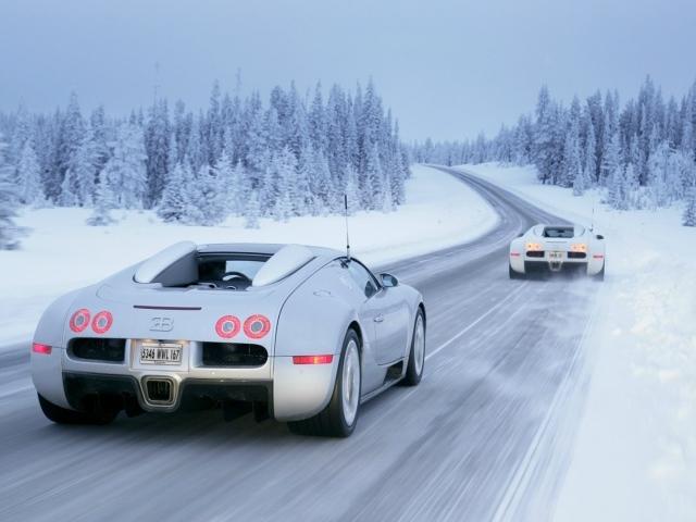 white bugatti veyron 16 4 grand sport on winter road. Black Bedroom Furniture Sets. Home Design Ideas