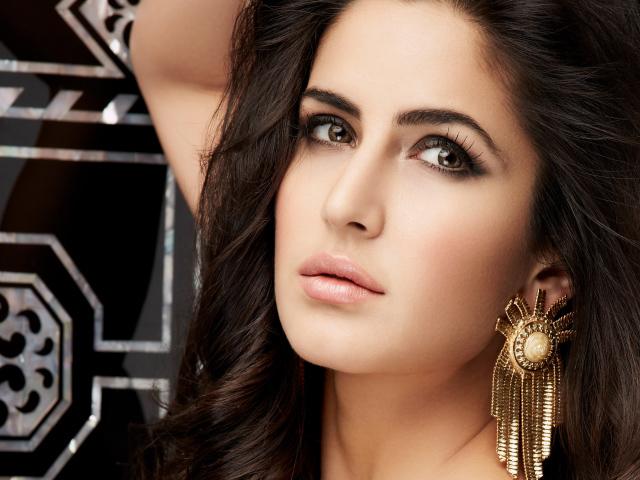 Bollywood Actress Katrina Kaif With Beautiful Earrings