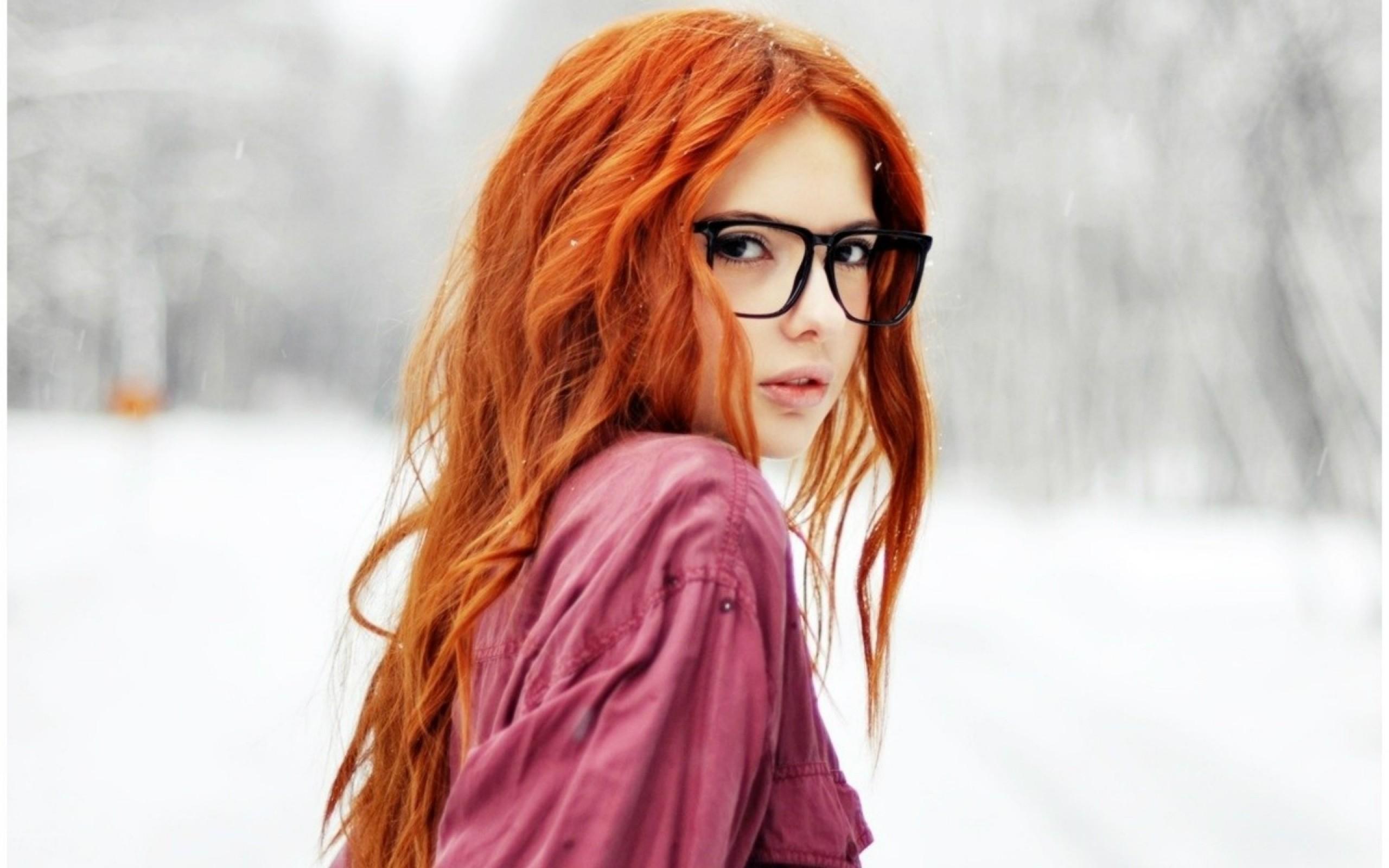 Рыжеволосая девушка в душе 12 фотография