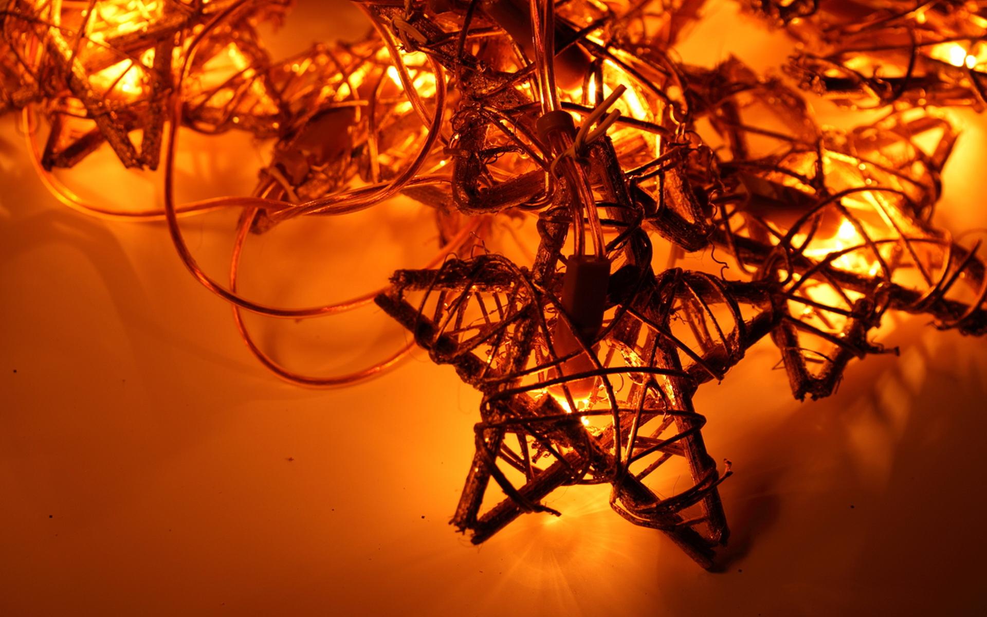 beautiful christmas garland wallpapers and images wallpapers pictures photos - Beautiful Christmas Photos