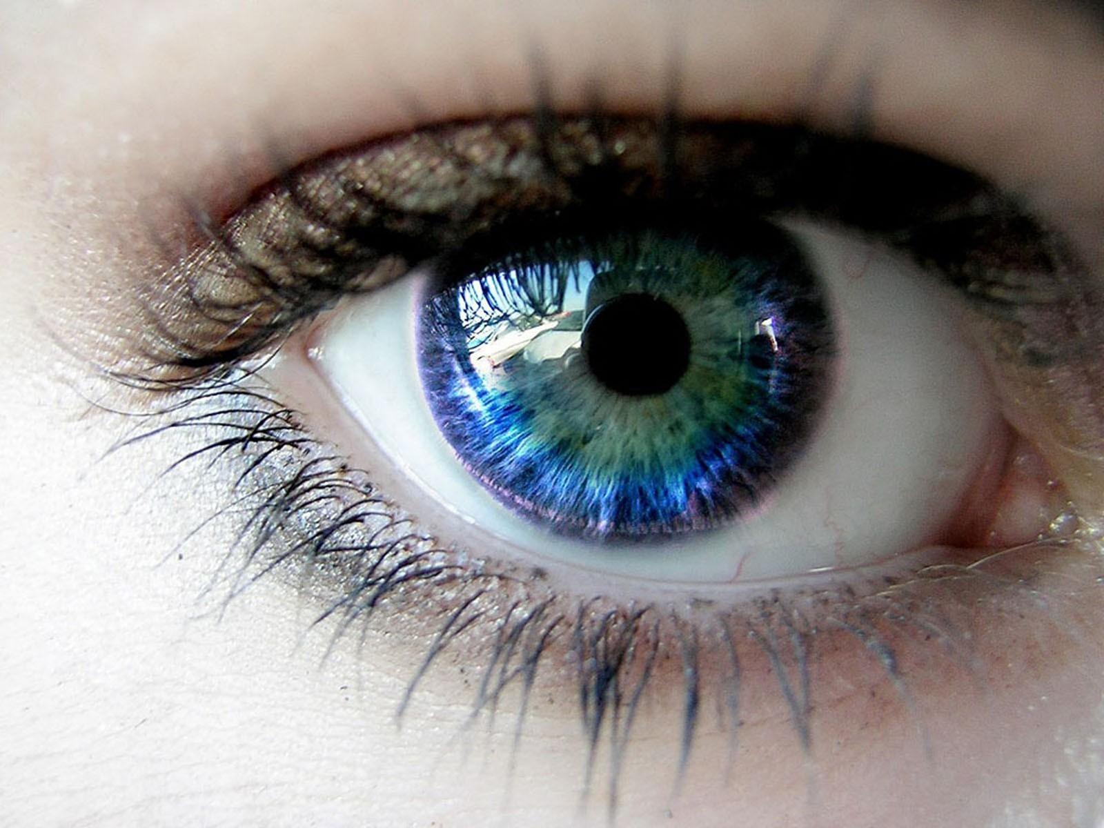 Интересные глаза девушек фото