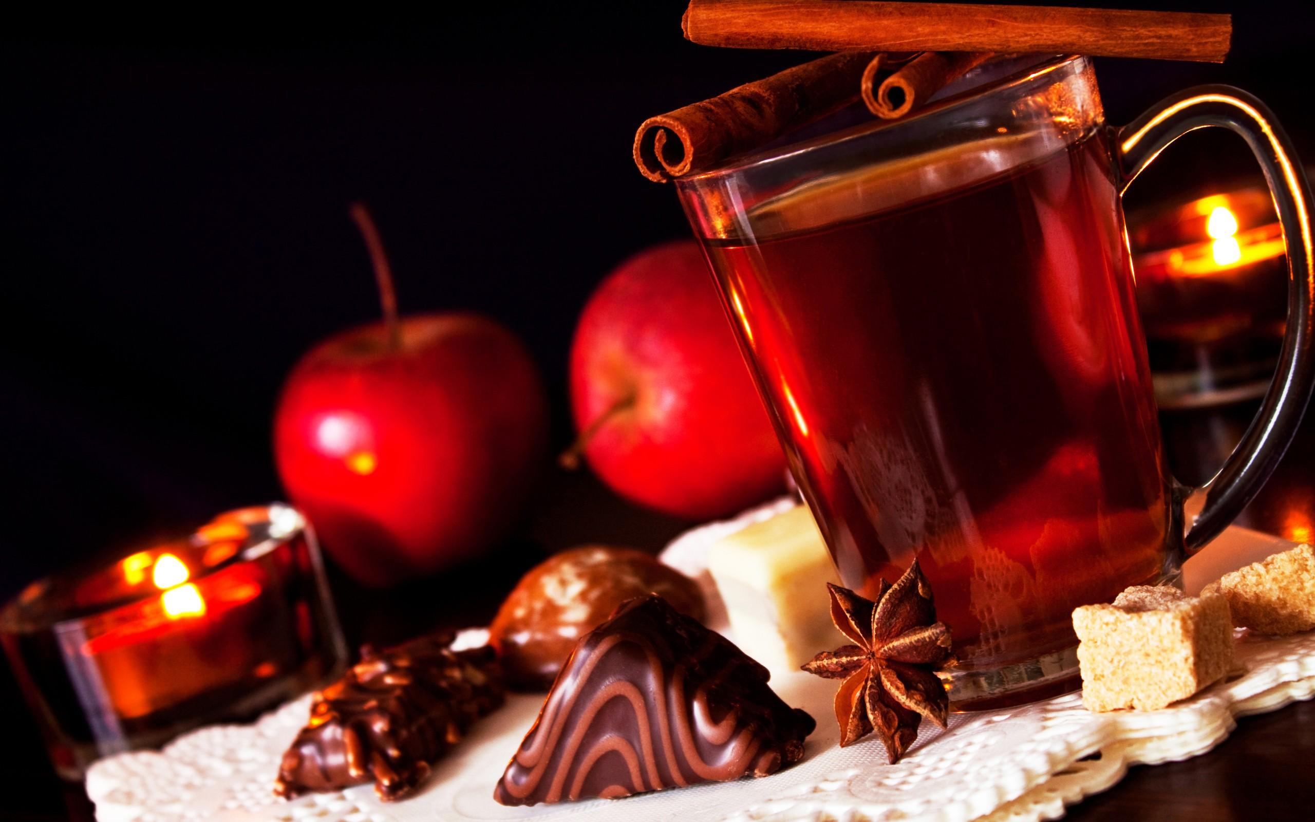 http://www.zastavki.com/pictures/originals/2013/Food___Drinks_Tea_with_cinnamon_and_sweets_036974_.jpg