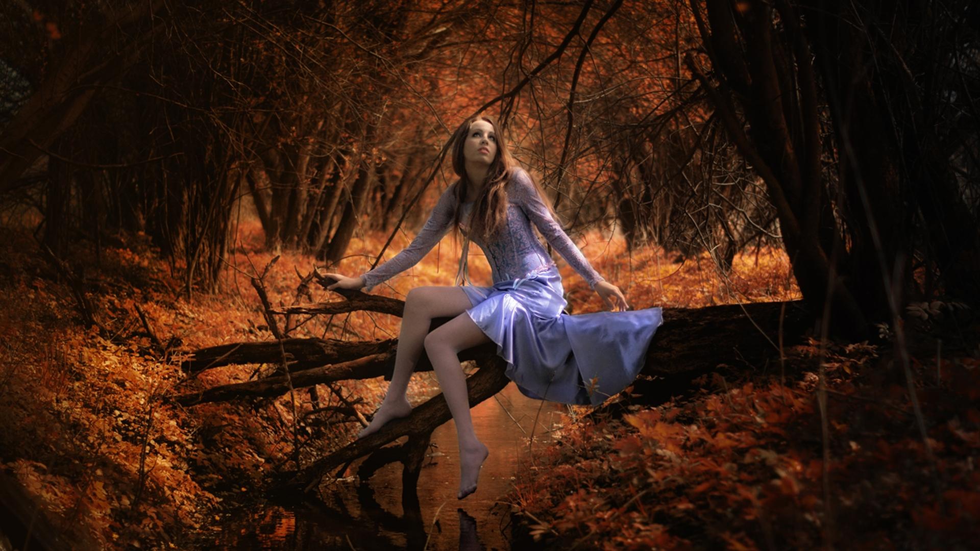 Смешные фото девушки в лесу