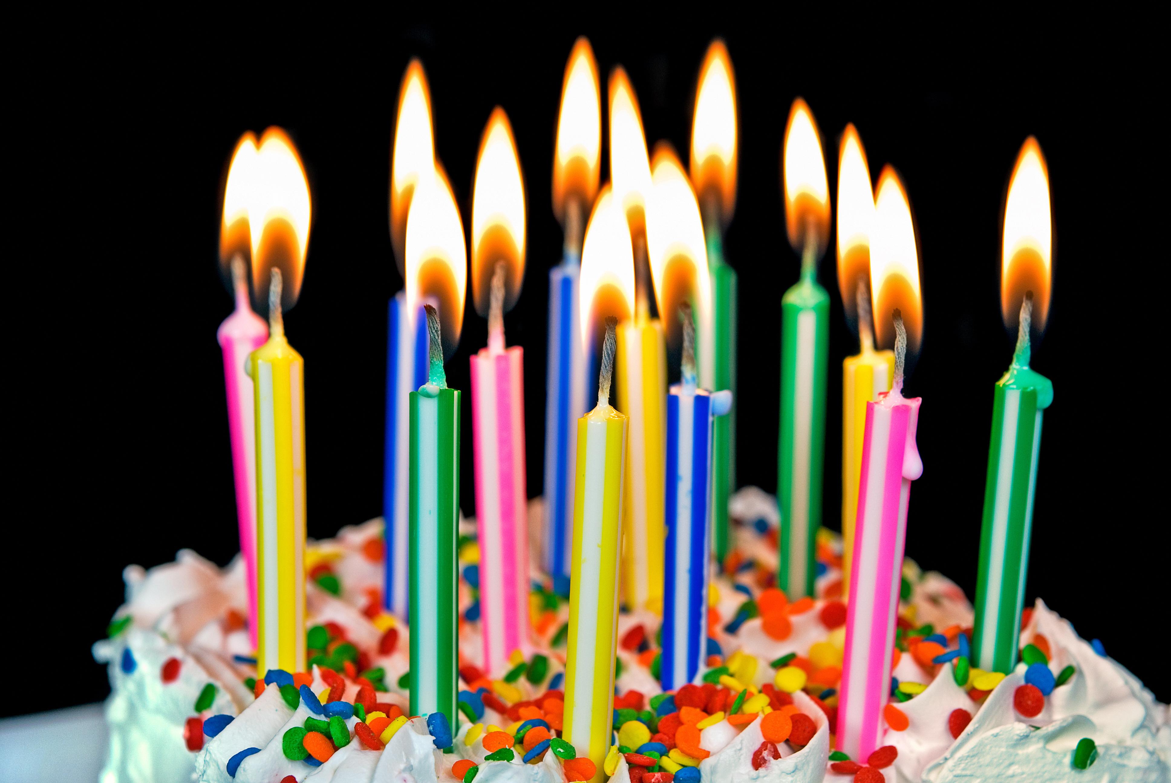 Фотообои, открытки с днем рождения торт и свечи