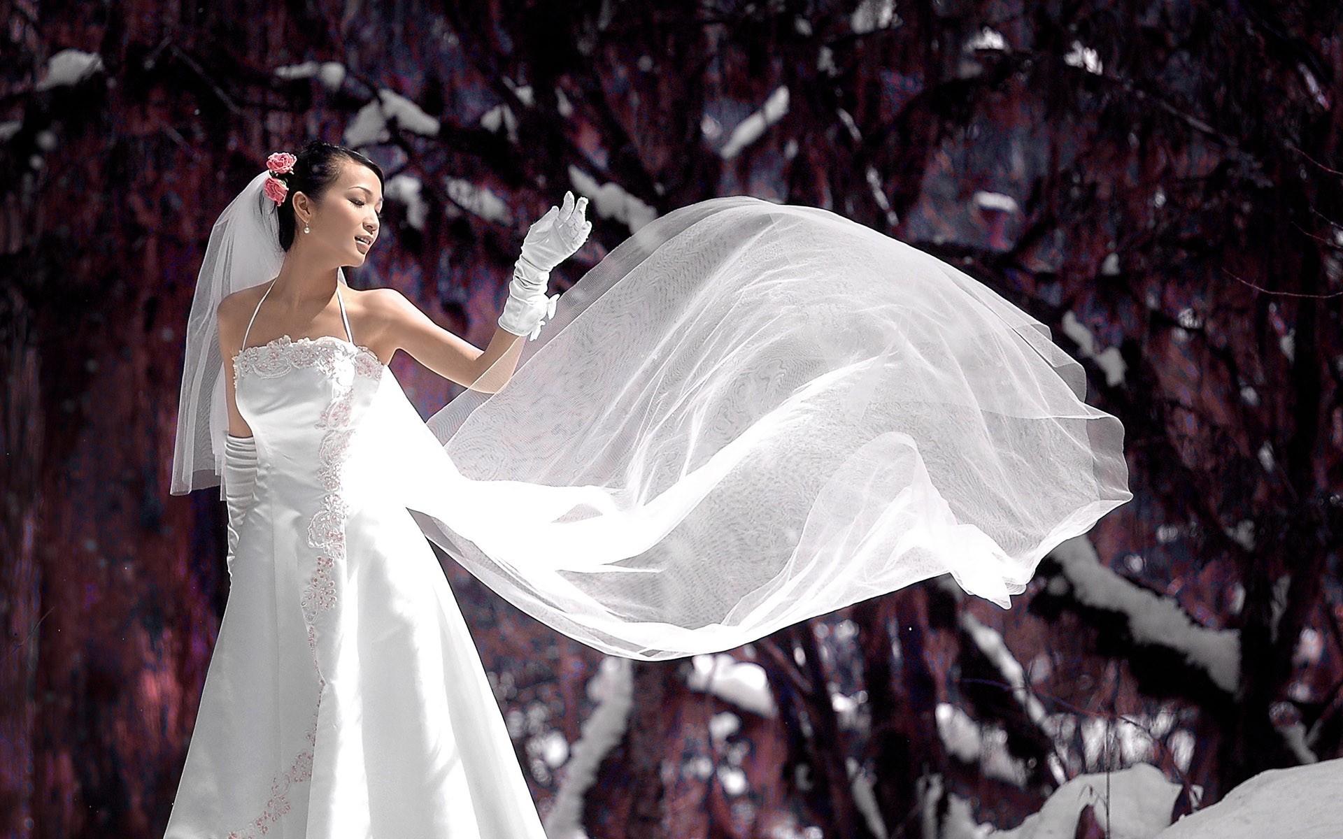 картинки на аву невеста в белом платье особенного размаха
