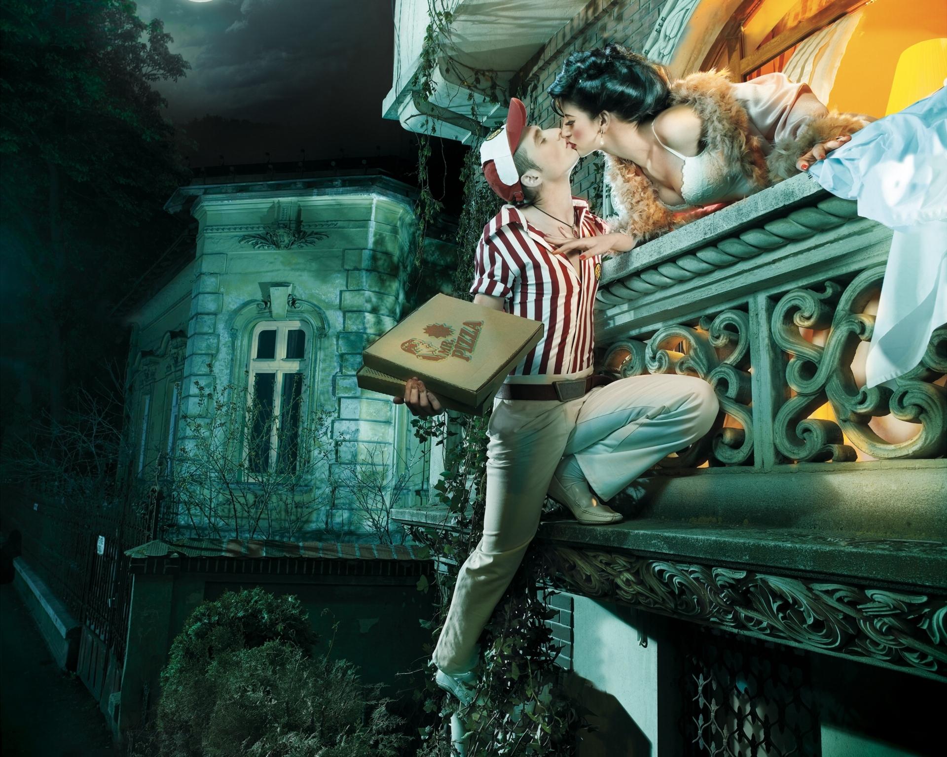 Парень, поцелуй, женщина, любовники, балкон картинки на рабо.
