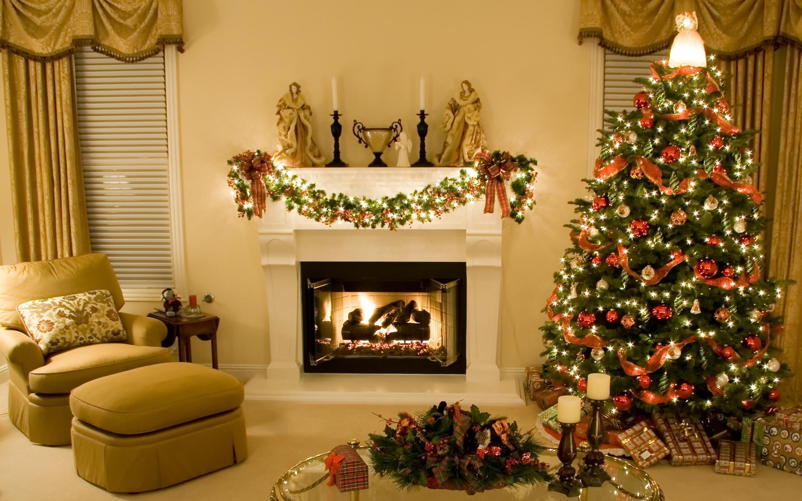 Новогодние елки для интерьера
