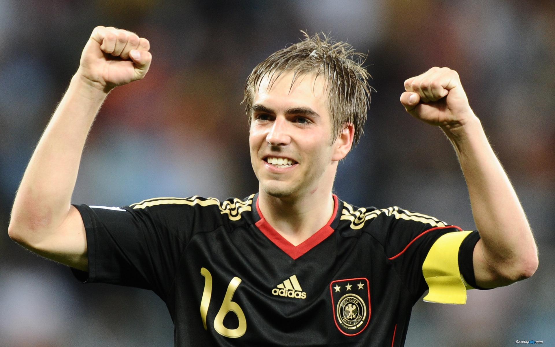_The_captain_of_team_Bayern_Philipp_Lahm