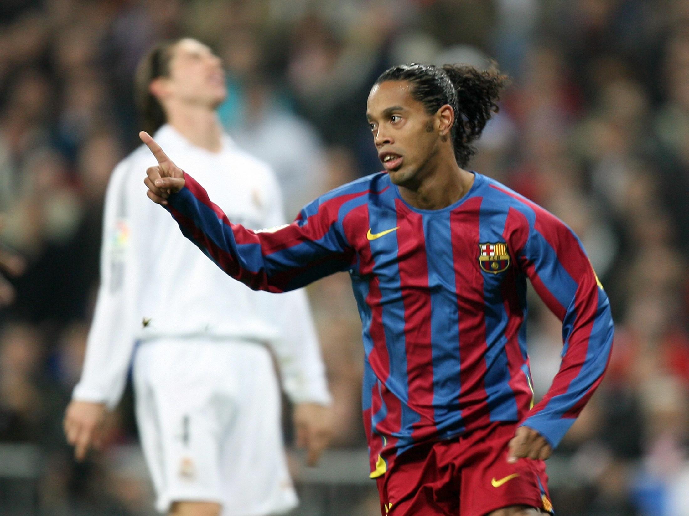 Ronaldinho Football Sport Desktop Photos: The Player Of Atletico Mineiro Ronaldinho Played For